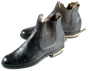 蔣中正戎裝皮靴